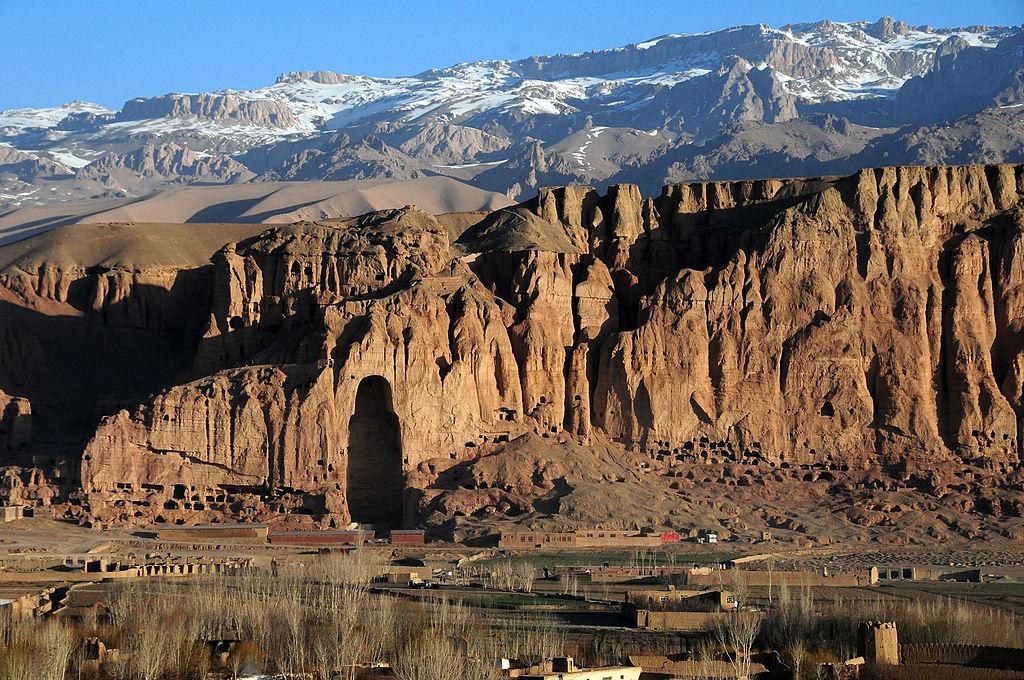 """Afghanistan. Jenseits des Krieges"""" Fotoausstellung 3.11.19-31.12.19 Klinik-Foyer"""